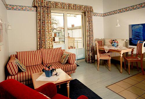 Unsere Gem U00fctlichen Zweiraum Appartements Mit Balkon Haben Jeweils Ein Wohnzimmer Bremen